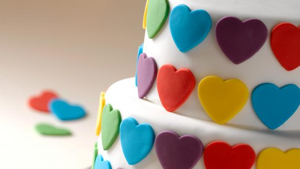 Fondant icing is the ingredient cake artists use to create their  masterpieces. Grocery stores don