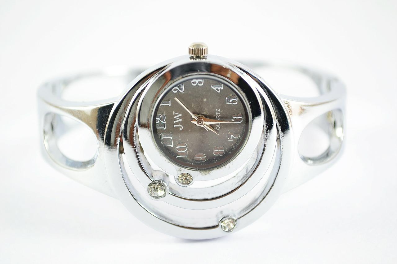 wrist-watch-205837_1280