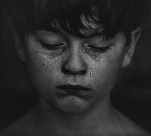 It's Okay to Be Sad: 10 Simple Points That Outline How to Explain Divorce to a Kid