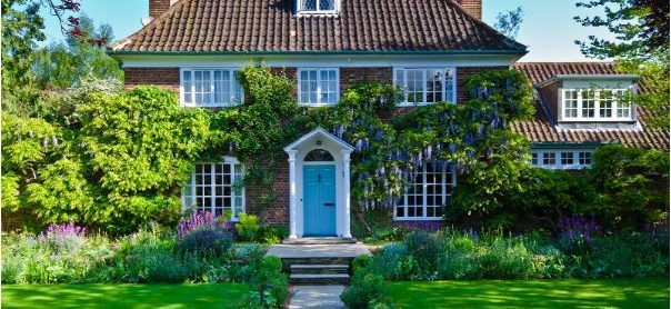 Dress up Your Outdoor Windows for Summer