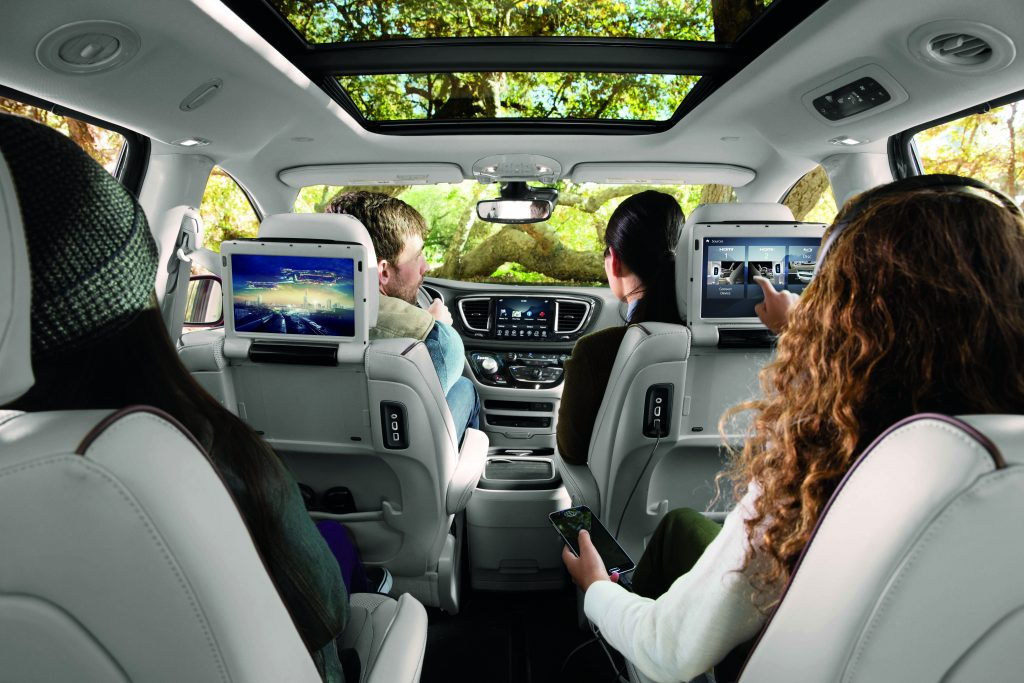 The Advantages of Leasing a Family Car