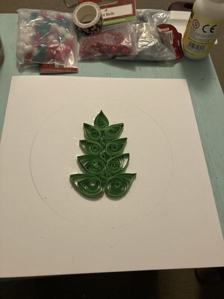 Quilling Homemade Christmas Cards - Creating the Tree