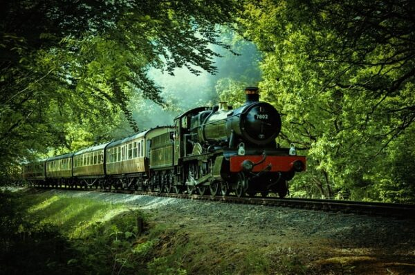 Five Reasons to Tour the UK by Train